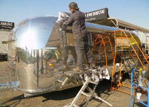 airstream and tanker 016 303x217 Airstream
