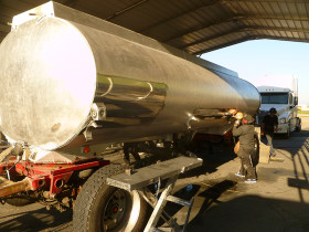cal fresno trans. second tanker 013 280x210 Tank Polishing