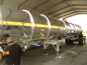 hanford comoditiy tank finish 038 280x210 Tank Polishing