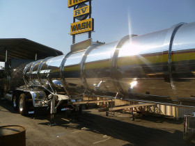 hanford comoditiy tank finish 045 280x210 Tank Polishing