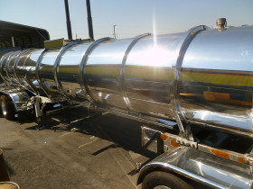 hanford comoditiy tank finish 050 280x210 Tank Polishing