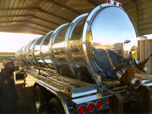 hanford comodity finish 007 300x225 Tank Polishing