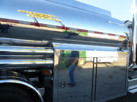 how tovideo tanker 176 280x210 Tank Polishing