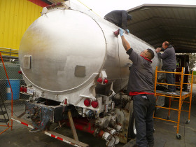 trucks 009 280x210 Tank Polishing